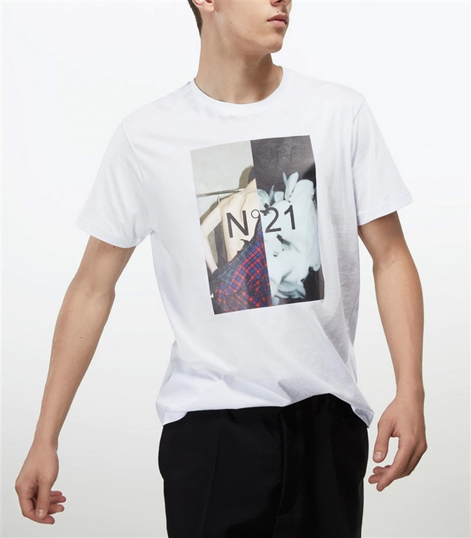 N°21 - Saldi - t-shirt con girocollo e stampa fotografica bianca 1